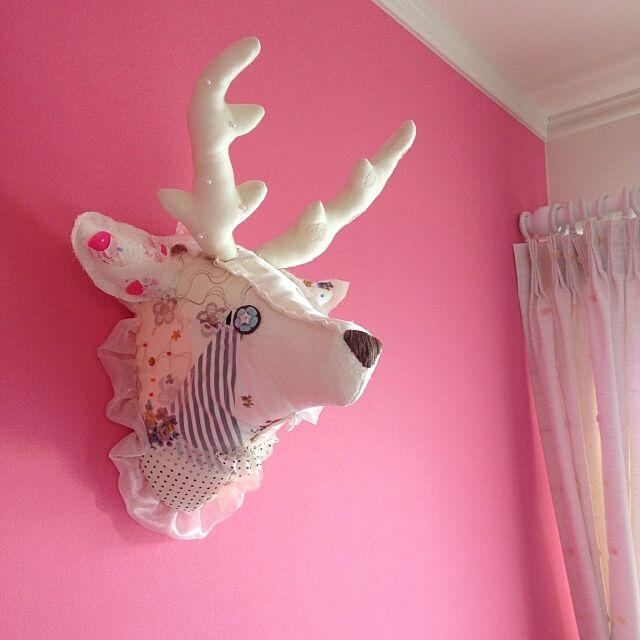 Overview,ピンクの壁,アクセントクロス,娘の部屋,ガーリー,ijiwaru,アニマルトロフィー,メルヘン,親の趣味,しかさん,ファンタジー♪♪ pokarinaの部屋