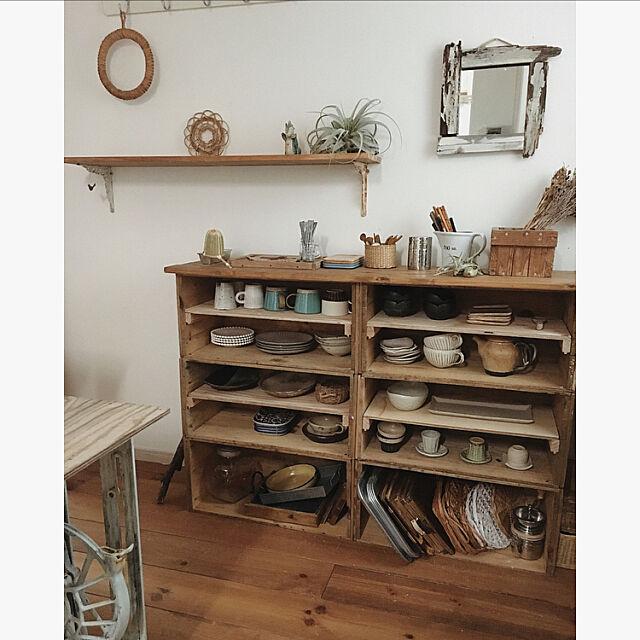 My Shelf,リビングと旧寝室が一体に,プチリフォーム,壁ぶち抜きました,食器棚DIY,りんご箱,ミシン台をちょい起きスペースに,配膳にも使えるかな tomoの部屋