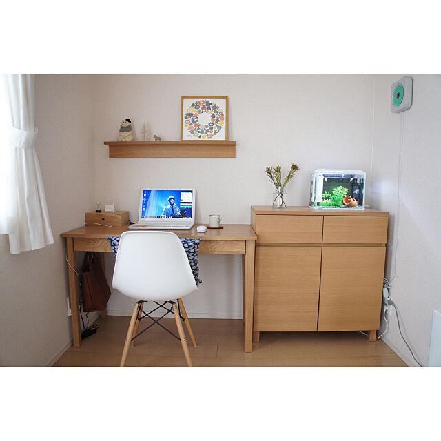 My Desk,賃貸,バーズワーズ,子供のいる暮らし,シンプルに暮らす,賃貸インテリア,整理収納,シンプルな暮らし,収納,無印良品,すっきり暮らす,整理整頓,しろくま貯金箱,キャビネット,飾り棚,デスク周り,デスク kagi___の部屋