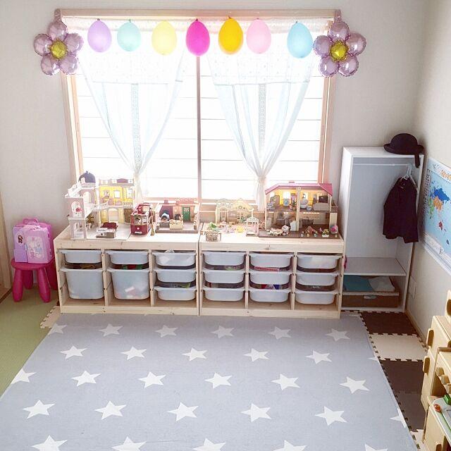 Overview,星柄,カフェカーテン手作り,シルバニア収納,IKEA トロファスト,ニトリのカーペット,自分で片付け,和室をキッズスペースに,和室を洋室に!,子どもと暮らす,キッズスペース,いいね押し逃げごめんなさい(>_<),仲良くしてもらえたらうれしいです♡,障子,塗り壁 Michiの部屋