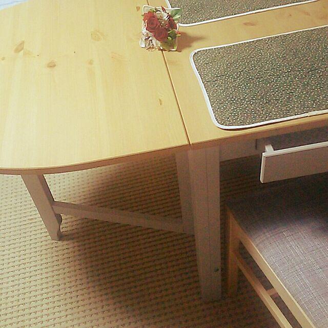 Lounge,IKEA,椅子,ダイニングテーブル&チェア,バタフライテーブル,初心者です。,ナチュラル,プリザーブドフラワー,ランチョンマット,IKEAのダイニングテーブル,IKEAの椅子,プリザーブドフラワー♡薔薇,プリザーブドフラワーアレンジメント,シンプルインテリア,マンション,マンション暮らし migaoの部屋