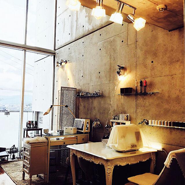 On Walls,コンクリート打ちっ放し,照明 mituhideの部屋