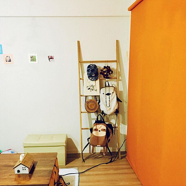 Overview,こたつのある部屋,ラダーシェルフ,アクセントカラー,ロールカーテン,模様替え,マンション,サリュ heshicoの部屋