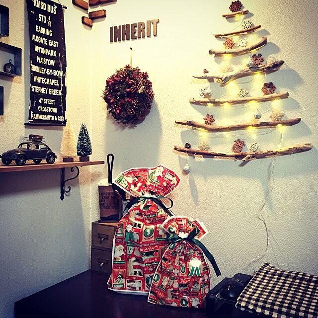 My Shelf,しゃれとんしゃあ会,みんなとたわむれ隊٩(♥ε♥ )۶,INHERIT,クリスマス,studioclipのリース,柳さんのバスロールサインをコピー♡,木製レンガ,流木ツリー,pinterestまねっこ ankoの部屋
