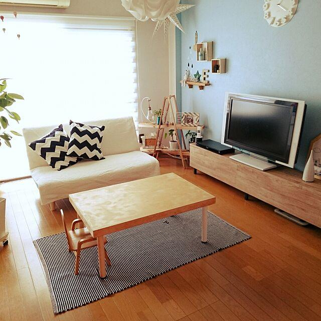 Lounge,セリア,IKEA,六畳,アパート,niko and… ,エアプランツ,電話,テーブル DIY,フランフラン,リサラーソンガチャ,名前がわからない雑貨,観葉植物,ニトリ,フィカスアルテシマ,3コインズ,ワンズ,サリュ,手作り棚,なるべくスッキリとシンプルに c-sanの部屋