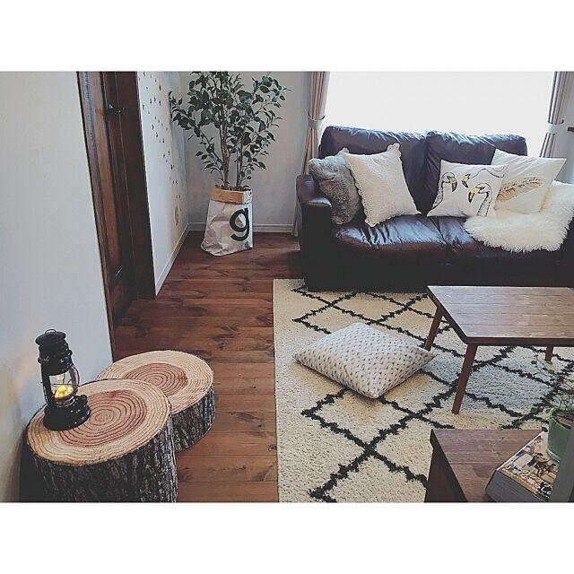 Lounge,天板DIY,H&M HOME,フェイクグリーン,ランタン風,ランタン,切り株スツール,カインズ,Boho Style,高見え,プチプラ,BOHO,高見えインテリア,ウォールデコ,小さなお家,ニトリ,ミックスインテリア,木のぬくもり,パイン材,塗り壁,柿渋塗装,無垢材,自然素材,木の家,切り株 Reiyaの部屋