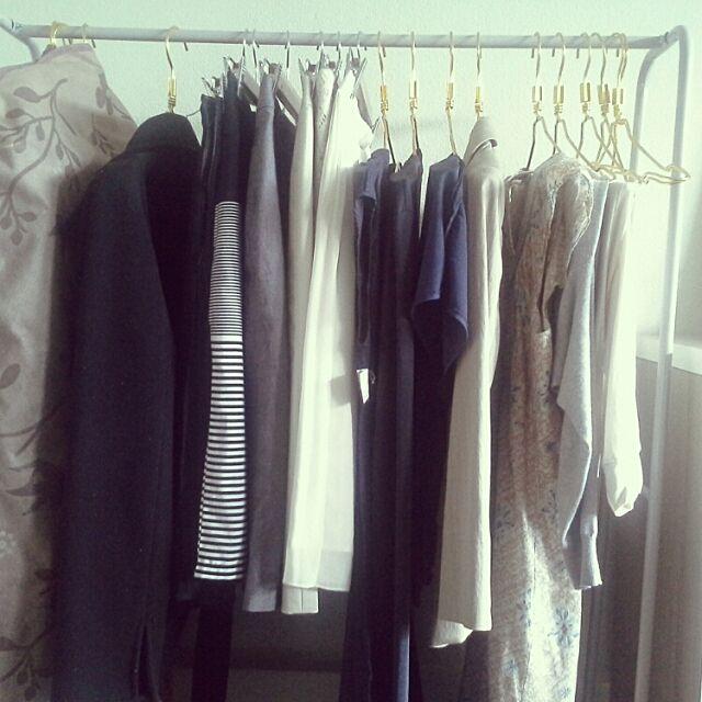 My Shelf,ミニマリストに憧れて,ミニマリスト途中,ミニマリスト,シンプルにすっきりと暮らす,クローゼット,クローゼット整理,私服の制服化 hnubcimemeの部屋