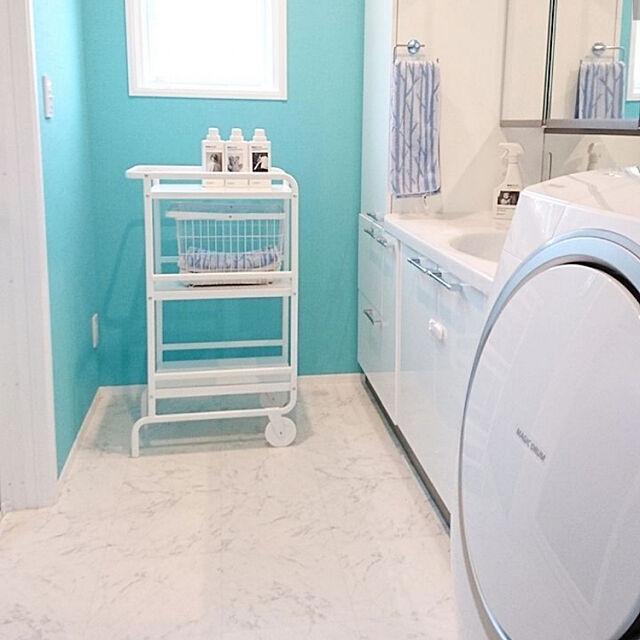 Bathroom,アクセントクロス,シンプル,暮らしの一コマ,インテリア,洗面スペース,洗面所,壁紙,ティファニーブルー,ティファニーブルーの壁紙,海外インテリア,イベント参加中 shoco.chairの部屋