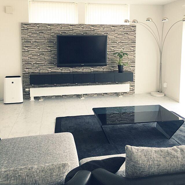 Lounge,リビング,モノトーン,壁掛けテレビ,モノトーンインテリア,観葉植物 YUKIの部屋
