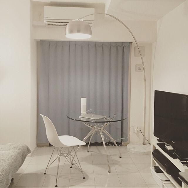 アルコランプ,照明,glass,テーブル,一人暮らし,1K,シンプル,ガラステーブル,ホワイトインテリア,ミニマリスト,amazon echo,MacBook Air,スマートスピーカー nabesanの部屋