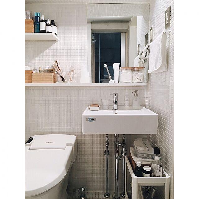 Bathroom,バスルーム,less is more,IKEA,一人暮らし,賃貸でも諦めない!,除菌スプレー,Small space living,サニタリー,大掃除,モザイクタイル,洗面所 aikovskyの部屋