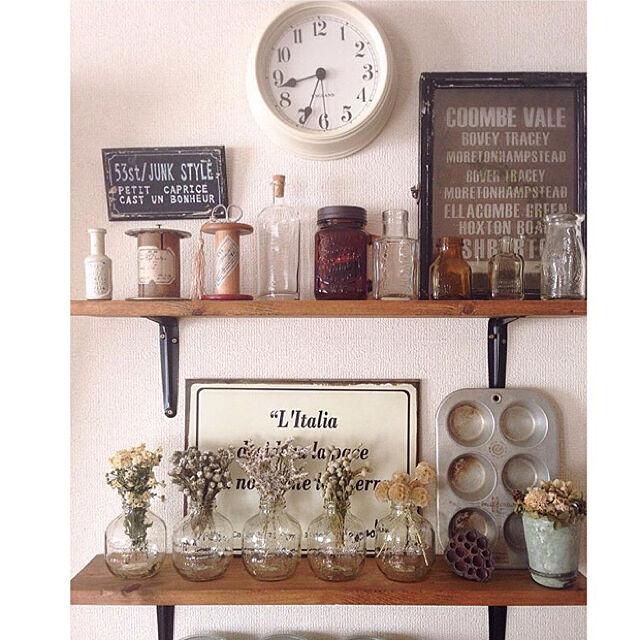My Shelf,マルティネリアップルジュース,マルティネリの空き瓶,マルティネリ,小瓶,ガラス瓶,瓶,ディスプレイシェルフ,アンティーク風,ボビン,糸巻き,時計,サインプレート,マフィンモールド,ドライフラワー,ナチュラル,ハンドメイド,DIY,見せる収納,お花屋さん風,ナチュラルヴィンテージ,ボタニカル,シャビーシック,シャビー akkyの部屋