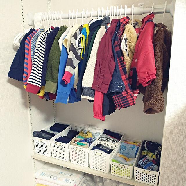 子供服収納,ダイソー,突っ張り棒,100均,見せる収納,冬支度,衣替え,かご収納,On Walls urikoの部屋