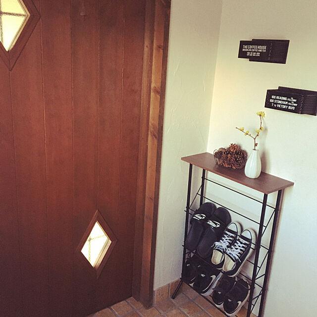 セリア,靴収納ラック,スリムラック,まつぼっくり♡,ナチュラル,いつもいいねありがとうございます♡,インスタ→k.a.696.ccc,ニトリ,玄関,玄関ドア,Entrance,蝋梅の花,ニトリ購入品 takechiの部屋