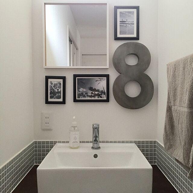 Bathroom,IKEA,ミラー,ガルバナイズドナンバー,ナンバーオブジェ,CONRANSHOP,フォトフレーム,モザイクタイル,洗面所,insta→ia_imuya nicochanの部屋