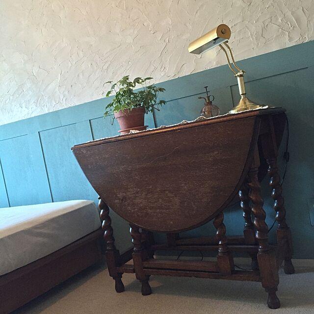 Bedroom,ブログも見てくれたら嬉しいです,DIY漆喰,漆喰塗り,DIY,DIY腰壁,腰壁,サンプリング,ROOMBLOOM,WOODPRO,古い物,アンティーク,ゲートレッグテーブル,途中経過,ウォールデコレーション leonaの部屋