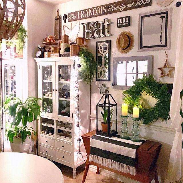 Kitchen,フェイクグリーン,観葉植物,ブログ更新しました♡,キッチンインテリア,ダイニングインテリア,緑のある暮らし,鏡,ホワイトインテリア,ナチュラル,アメリカ暮らし,海外生活 Karly_Bakesの部屋