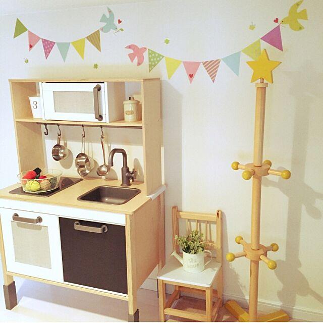 On Walls,スクウェア,黒板シート,子供部屋,おままごとキッチン,ガーランド,カフェ風,3Coins,セリア,salut!,Love Like aiko♡,ナチュラル,IKEA,おもちゃ収納,子供のおもちゃ,収納 mana15の部屋