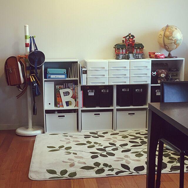 Lounge,カラーボックス,ランドセル置き場,モノトーン,IKEA,ニトリ,こどもと暮らす,入学準備,こどもと暮らす。 Shinobuの部屋