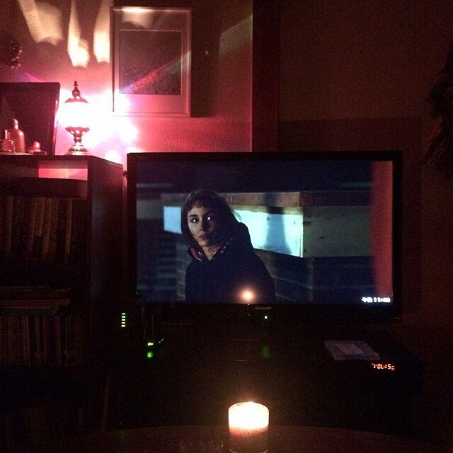 Tổng quan, phòng khách, nến, đèn Ma-rốc, xem phim Phòng Y.design