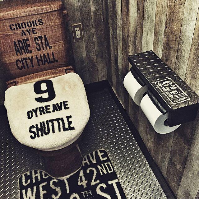 Bathroom,ステンシル,Swaro109 vintage,壁紙はりかえ,トイレットペーパーホルダーリメイク,さびさび好物(Φ∀Φ),さび塗装,さびさび,鉄板柄フロアマット,かめらまーく|ωΦ),元はピンクの便器(ノ∀Φ),セリアリメイクシート,男前インテリア heeの部屋
