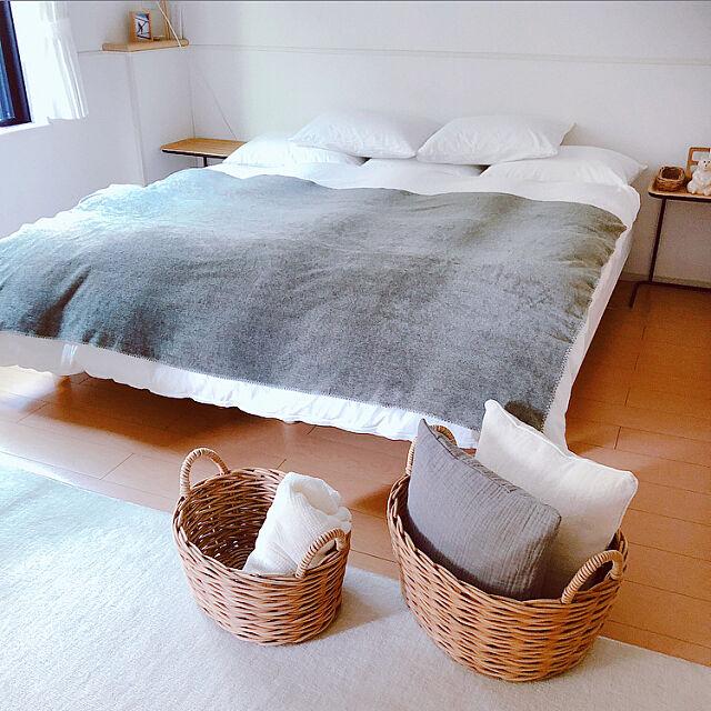 Bedroom,ナチュラル,無印良品 ベッド,MUJIインテリア,無印良品かご,Bedroom,清潔感,清潔感が大事,無印良品のある暮らし,ぬくもり,シンプルな暮らし,スッキリ暮らす,Muji,爽やかインテリア,賃貸,無印良品ソファー,アイボリー,無印良品,スッキリ,スッキリ暮らしたい,無印良品と暮らす,ド・シンプル,シンプル,落ち着く無印良品,無印良品家具,自分流インテリア,冬インテリア,オーク材,無印良品クッション,広く使う,マンション Maron_Chaco_Roomの部屋