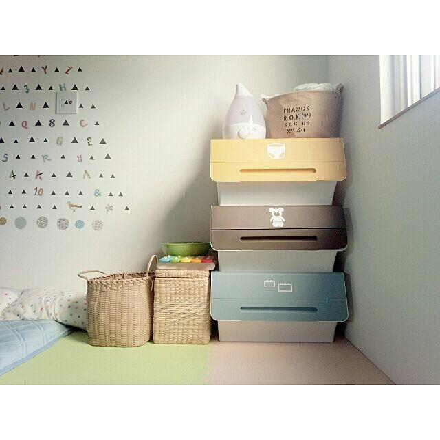 Bedroom,squ+,RC北海道支部,RC北海道道東支部,フロック,カラフル,おもちゃ収納,密かに整理収納アドバイザー2級。,カッティングシート,froq,ジョイントマット,キッズスペース,こどもと暮らす。,上からオムツ、ぬいぐるみ、ブロック。,タンスのゲン Akaneの部屋