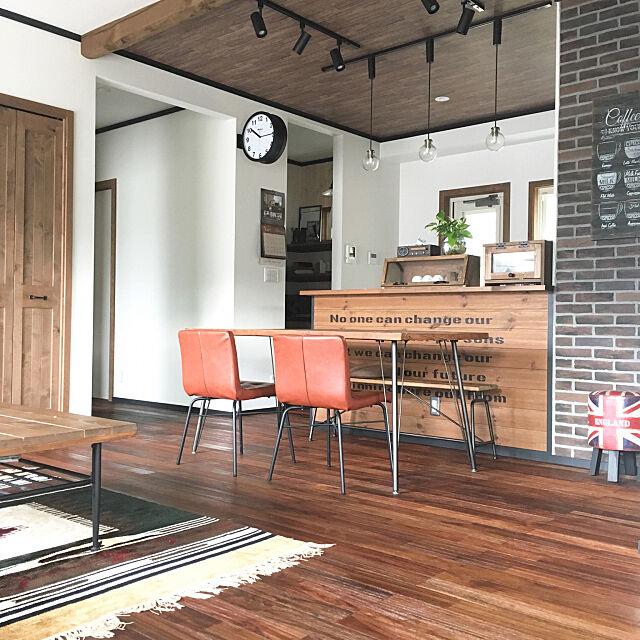 ダイニング,床材,ブリックタイル,ステンシル,Lounge,アジアンウォールナット,無垢の床,月桂樹 maruの部屋