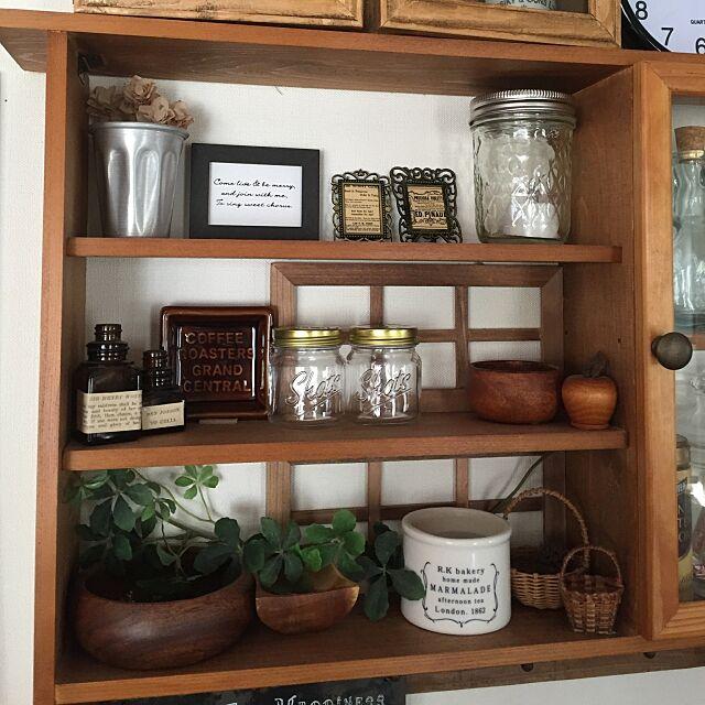 写真加工なし,キッチン周りのDIY棚,セリアの小瓶2つ,セリアの食器,木の雑貨,Entrance nakoyanの部屋
