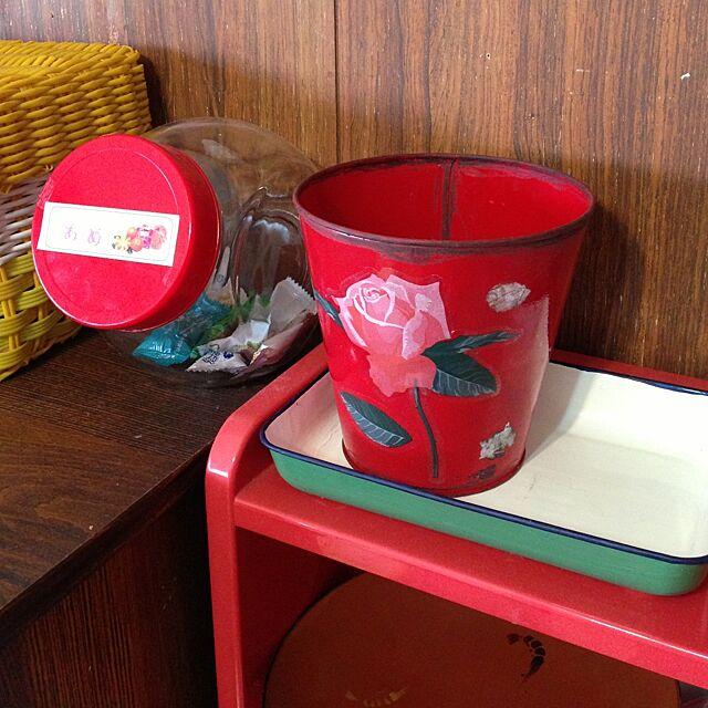 My Shelf,神奈川県民,団地,団地生活,昭和レトロ部,レトロ好き,ダイソーのバケツ,セリアのシール,リメイク,シールの剥がし跡もわざと。。 anzuの部屋