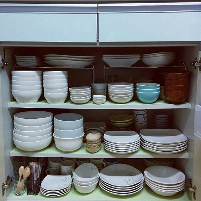Kitchen,片付け,整理収納部,整理整頓,食器,食器棚,100均,ナチュラルキッチン,お皿,お皿収納,収納,食器棚の中,収納見直し,食器棚収納,キッチン収納,背面収納 miyuの部屋