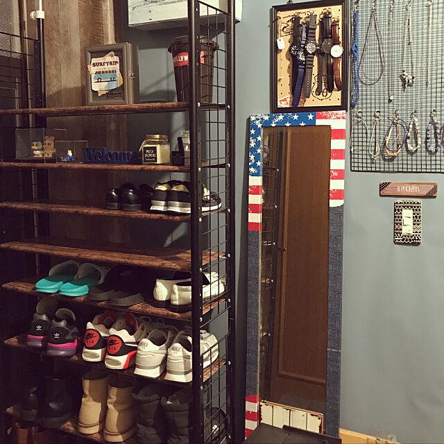艶なしブラック,突っ張りラック,靴棚収納,100均,DIY,賃貸,壁紙屋本舗,男前,ダイソー,スチールラック,木目柄,Entrance sugarの部屋