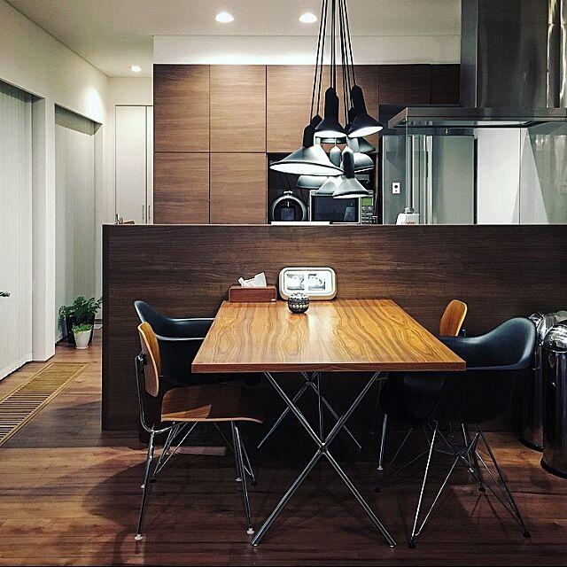 My Desk,シンプル,シンプルインテリア,hhstyle,イームズ,ミッドセンチュリー,サントスパリサンダー,ネルソンエックスレッグテーブル,ハーマンミラー,シェルチェア,ネルソン kikutyの部屋