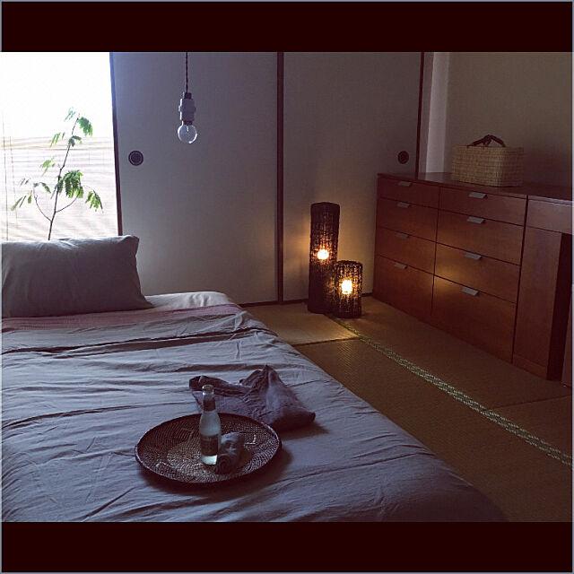 Bedroom,寝室,丁寧に暮らす,旅館風,旅館スタイル,フロアランプ リンドロ,fog linen work,モロッコストローバッグ,アフリカンバスケット,くつろぎ空間,ニトリ,ニトリ照明モニター,照明,和室,和室インテリア saokoの部屋