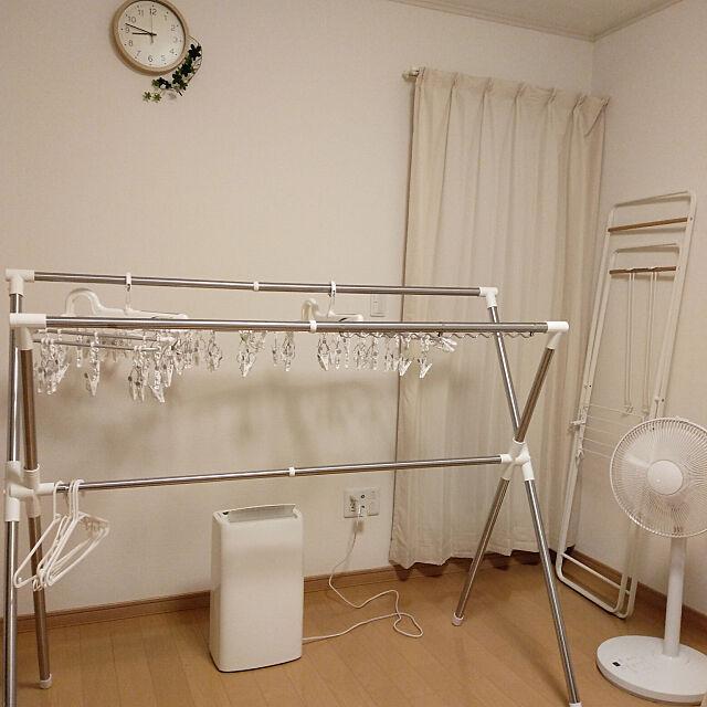 Bedroom,部屋干し,部屋干しスペース,除湿機,扇風機,湿気対策,ニトリ Teaの部屋