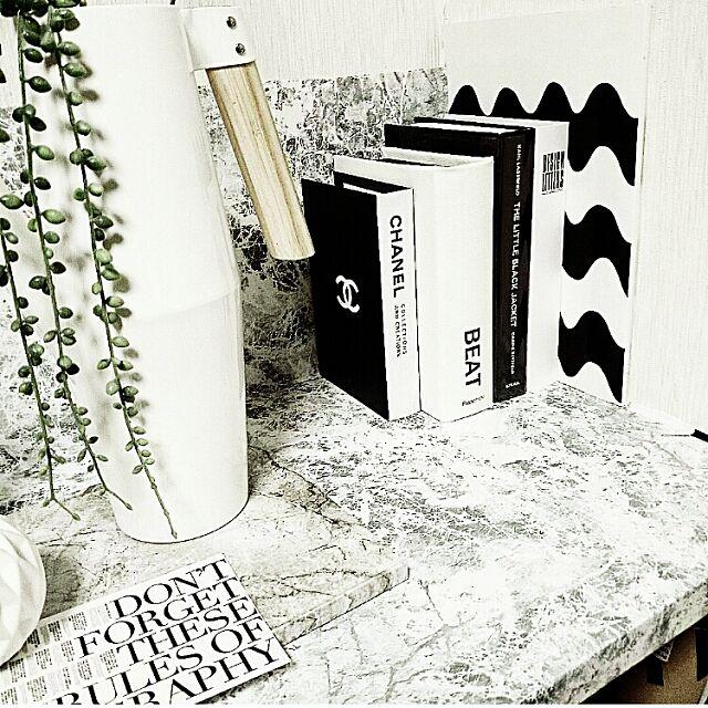 Lounge,marimekko,IGと同じpic!,連続ÜPm(。≧ _ ≦。)m,IKEA,monotoneinterior,北欧,DESIGN LETTERS,白黒インテリア,洋書,Francfranc,マーブル柄カッティングシート,White Hitomiの部屋