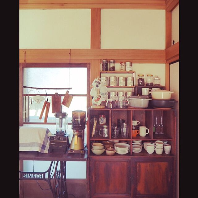 Kitchen,陶器,古道具,和家具,昭和レトロ,リノベーション,カフェ風インテリア,こどもと暮らす。,古い建具,日本家屋,漆喰壁 --ao--の部屋
