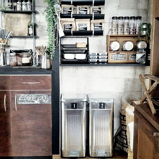 Kitchen,ゴミ箱,ニュートラル系,EDGE-CAFE,カフェ風,マンション暮らし,RC山口♡,DIY,フォローすごく嬉しいです♡,ステンシル,男前も可愛いも好き,見せるパントリー yuriyanaの部屋