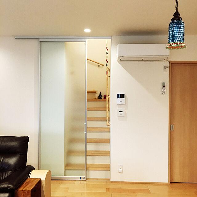 Lounge,赤ちゃんと暮らす,半透過扉,リビングイン階段 寒さ対策,ペンダントライト,積水ハウス,こどもと暮らす,ニトリ,リビングイン階段 ..tomochin..の部屋