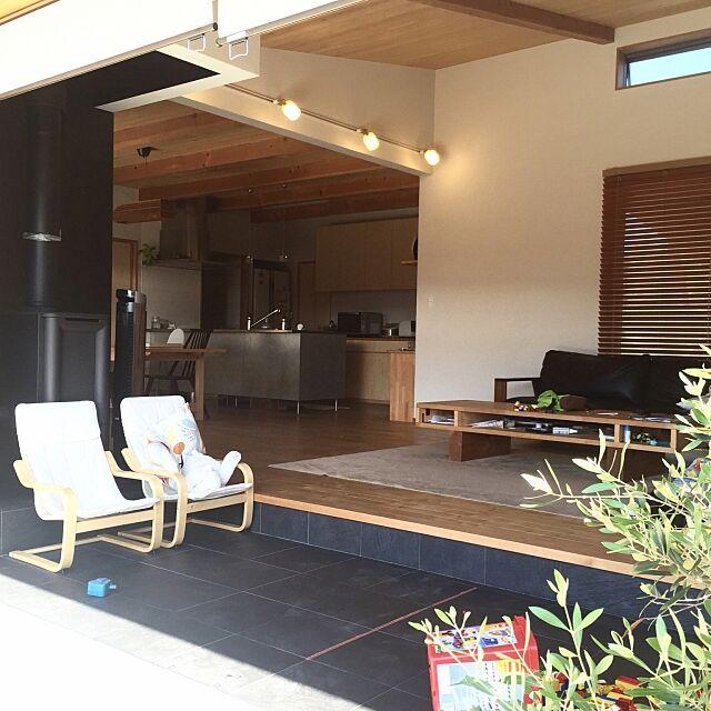 Lounge,木製サッシ,いいね&フォローありがとうございます☆,ナチュラル,木製建具,珪藻土,薪ストーブ,無垢の床,DIY,木製フェンス,土間リビング,無垢材,照明,IKEA,トーヨーキッチン chieの部屋