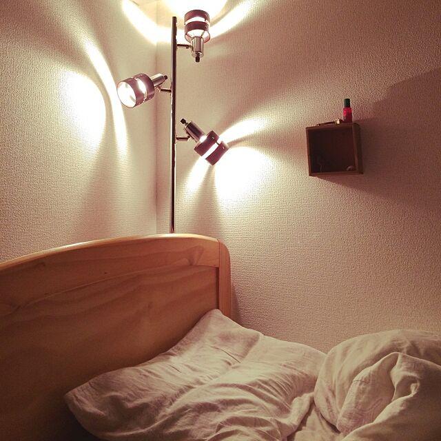 Bedroom,セリア,一人暮らし,照明,ニトリ,飾り棚 moyayumの部屋
