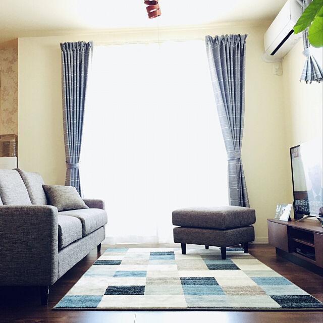 オットマン,3人がけソファ,ソファ,ニトリのソファ,ニトリ,2LDK カップル,2LDK,新生活,2LDK賃貸アパート,新築アパート,二人暮らし,ニトリのテレビボード,ニトリのカーテン,ニトリのラグ,ウィルトン織りラグ,Lounge sayaの部屋
