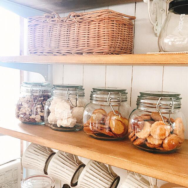 お菓子入れ,保存瓶,セリア,造作棚,カフェ風インテリア,ナチュラルインテリア,キッチン収納,My Shelf usagi_homeの部屋