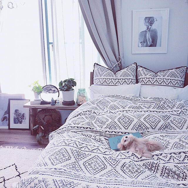 Bedroom,ニトリ,RCの出会いに感謝♡,いつもいいねやコメありがとうございます♡,本日投稿多すぎで ごめんなさい,大きな観葉植物のある部屋,ニトリ ベッドカバー,ニトリ クッションカバー,morasanちゃんからの素敵便♡,洋書,ニトリ ポスターフレーム,ドライフラワー,スイカペペ,ku-kaiちゃんからの素敵便♡,海外インテリアに憧れる,サンドアート,unico アルパカクマ,アフリカンバスケット,古材ベンチ,factory バージョン,ニトリ 寝室 sippoの部屋