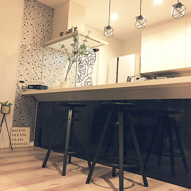Kitchen,ペンダントライト,IKEA,カウンターチェア,カウンターキッチン,LIXIL,marimekko,マリメッコ,モノトーン,アレスタ,タイルシール nacocoの部屋
