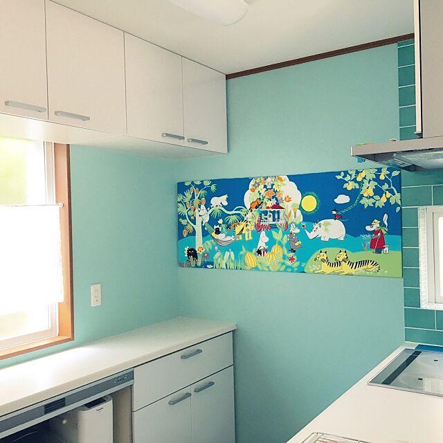 Kitchen,キッチン壁,両面テープ,発砲スチロール,ファブリックパネル,ムーミン,フィンレイソン 布,キッチン azukiaraiの部屋
