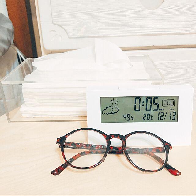 Bedroom,時計,カレンダー,目覚まし時計,IKEA,スツール,サイドテーブル,1人暮らし,ベッドサイド,温湿度計,湿度計,IKEAスツール,スツールの上,アクリルティッシューボックス,ミニソ amr.77.skyの部屋