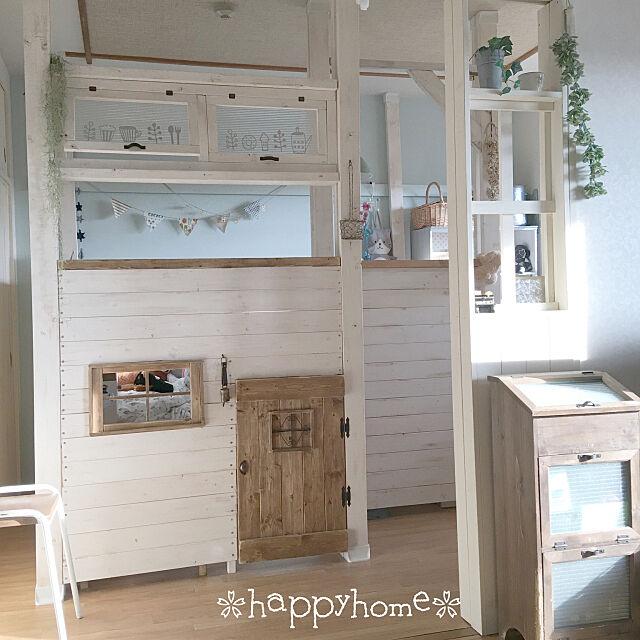 Bedroom,セルフリノベーション,ちいさなお家,子供部屋,2×4,ディアウォール,ディアウォール DIY,ホワイトインテリア,ナチュラル,DIY charanの部屋