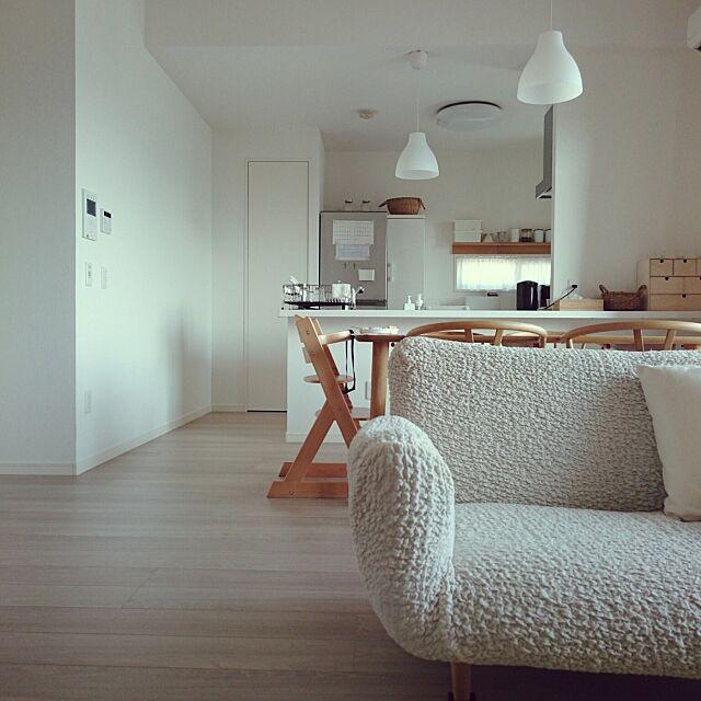 Overview,すっきりとした暮らし,シンプル,すっきりさせたい,マンション暮らし,シンプルインテリア,ナチュラルインテリア,マンションインテリア,マンション,すっきり暮らしたい,すっきり,台所,ダイニングテーブル,リビングダイニング,ナチュラル,ダイニング,冷蔵庫,IKEA,yチェア,オーク材,ソファー,台所 収納,壁に付けられる家具,無印良品,ホワイト,ホワイトインテリア,シンプルライフ kazuoの部屋