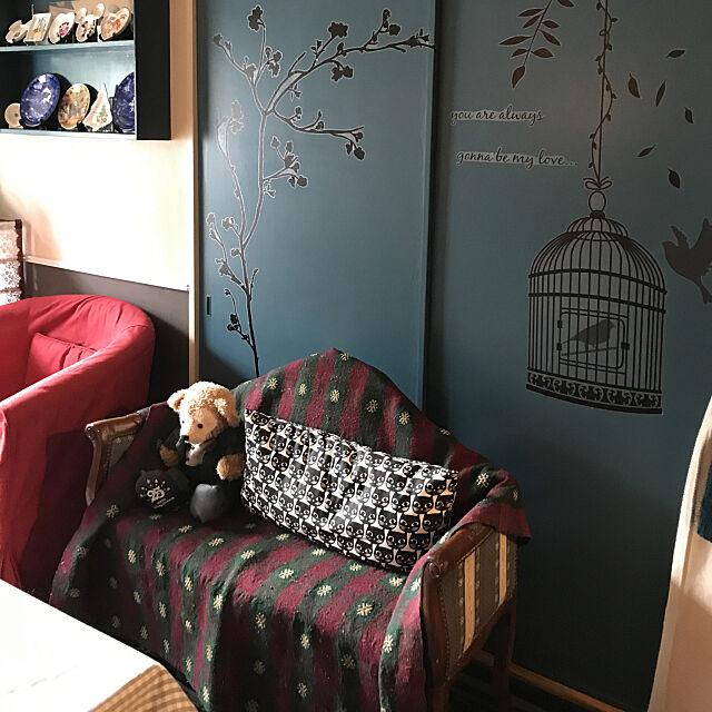 Lounge,チアーズのラグ,ダッフィー♡,IKEAのクッション,IKEAのソファー,棚手作り♪,ニトリのウォールステッカー,腰壁風DIY,押入れ扉リメイク,壁のセルフペイント,ディズニー大好き,アンティーク風,『RCカントリー倶楽部☆』,アメリカンカントリー,イイねコメント感謝です♡♡ machakoの部屋